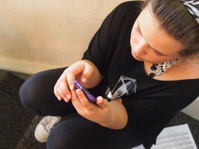 smartphone-in-classroom