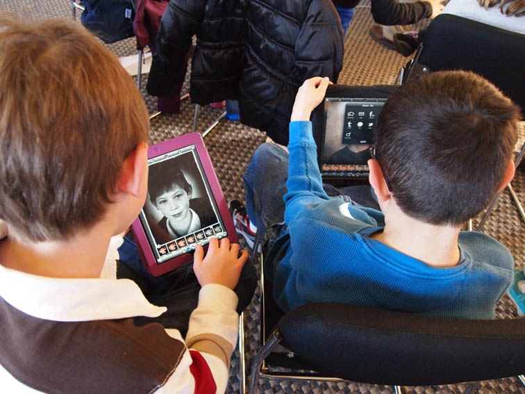 What Is Reader's Theater? Using Literacy For Online Student Engagement